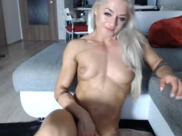 squirting_lea